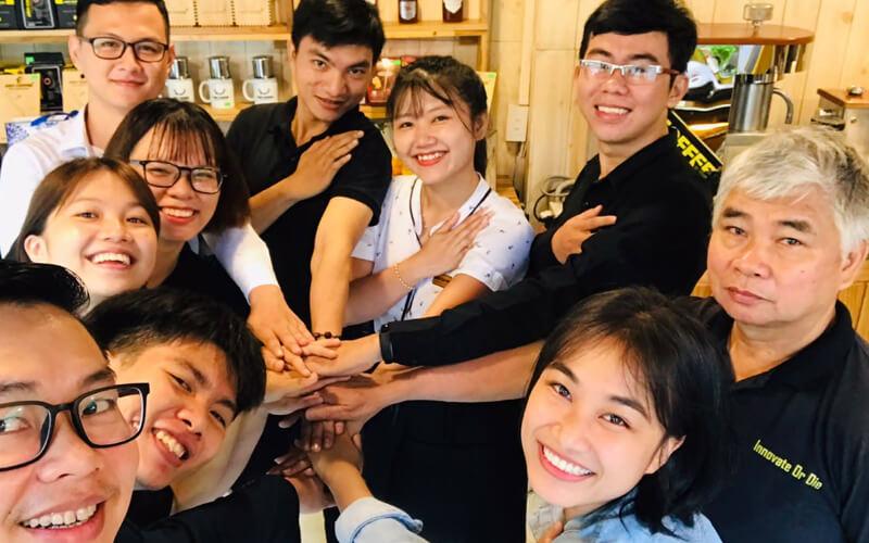 Đào tạo nhân sự quán cafe thực thi kế hoạch marketing quán cafe