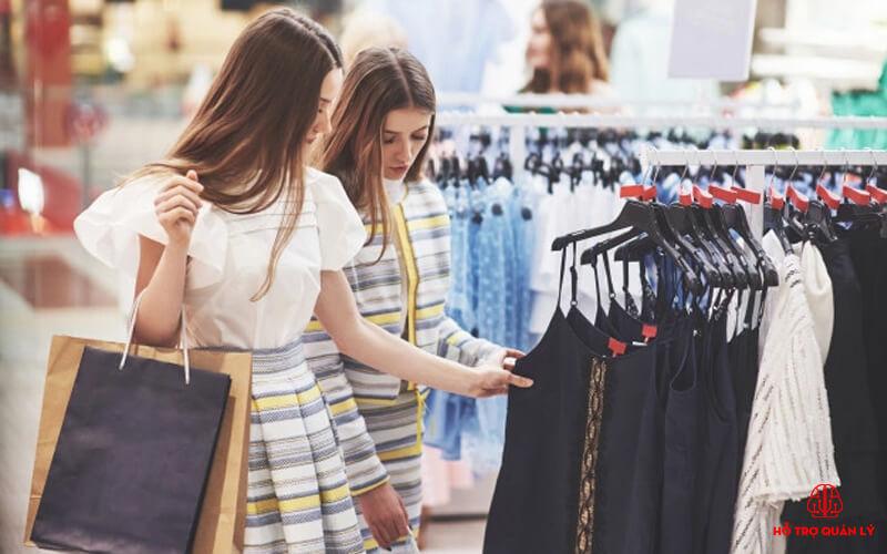 Quản lý size, màu sắc trong cửa hàng quần áo